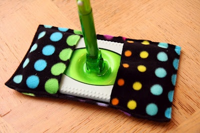 make your own re-usable swiffer cloths out of fleece!