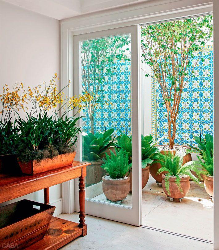 Como fazer um jardim de inverno? Dicas de jardins verticais, jardins pequenos e plantas para serem usadas dentro de casa!