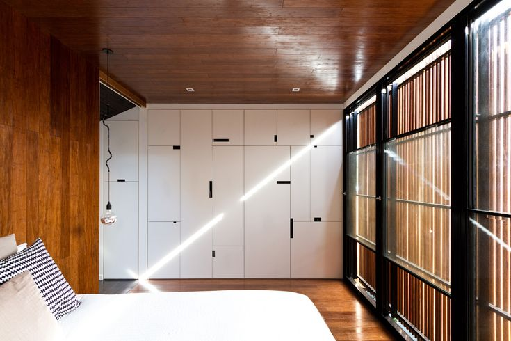 Image 32 of 53 from gallery of Parure House / Architects EAT. Photograph by James Coombe