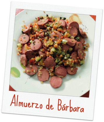 Nuestra amiga Bárbara Miranda comparte su almuerzo sano con nosotr@s.Verduritas salteadas con salchicha de pavo¡Gracias Bárbara!.y tú ¿Qué comes? http://secomer.com/que-comes/ #healthylifestyle #healthfood #comidasana #perderpeso #barbarasabecomer