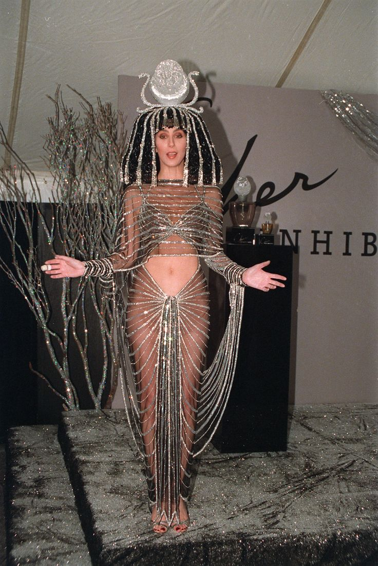 26 of the most daring outfits Cher has ever worn | Business Insider