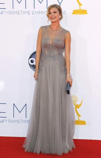 Emily VanCamp went for a subtle but stunnig look in a J. Mendel gown, which she bling out with Van Cleef & Arpels diamonds.: 2012 Emmy, Emmy Awards, Red Carpets, Emmy 2012, Mendel Gowns, Celebs Style, Style Pinboard, Vans Cleef, Arpels Diamonds