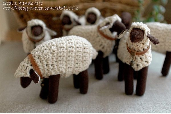 """Crocheted sheep. Can't find a pattern anywhere online, but I really love this. Maybe I can figure it out on my own. Looks like a felt sheep body with crochet """"fleece"""" sewn over it."""