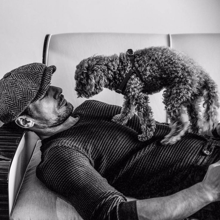 @davidgandy BTS from a shoot with the very special @arnaldoanaya .  Here was 10 mins play time with Alfie before starting