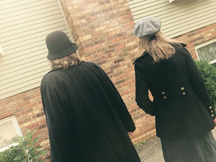 Female Sherlock cosplay!! Female John