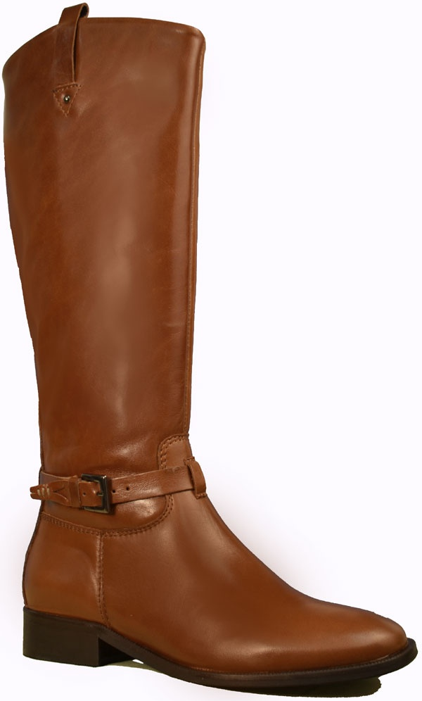 Enjoy a beautiful blend of city fashion and classic riding style in this boot by Ingledew's. Features a flexible rubber sole with light grooves for grip, a light fabric lining for added warmth, a full-length zipper, and soft leather uppers with an elastic patch in the inner calf for a custom fit. Made in Europe.