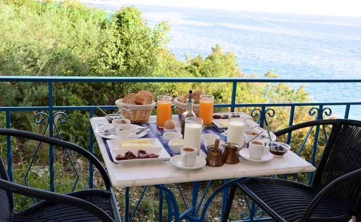 Enjoy our hotel's tsakonian breakfast either with a mountain or a sea view. Choose where you will like to serve it to you and enjoy its special taste. Location: Tyros, Peloponnese