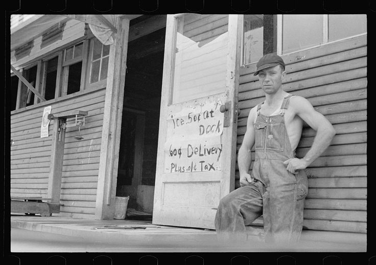 jeanfivintage:  Farmer who supplements his income by selling ice, Huntsville, Arkansas