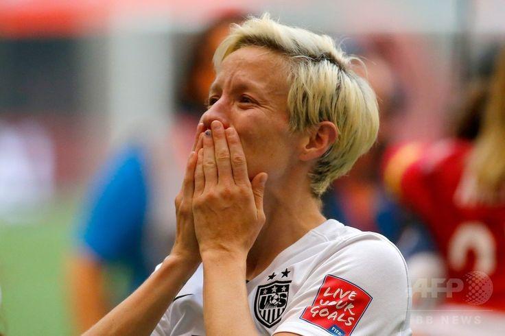 女子サッカーW杯カナダ大会・決勝、米国対日本。試合に勝利し歓喜する米国のミーガン・ラピノー(2015年7月5日撮影)。(c)AFP/Getty Images/Kevin C. Cox ▼6Jul2015AFP|米国が通算3度目の女子W杯制覇!なでしこ連覇ならず http://www.afpbb.com/articles/-/3052325 #2015_FIFA_Womens_World_Cup #Final_United_States_vs_Japan #Megan_Rapinoe