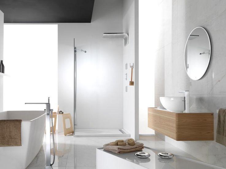 Comienza el año tomando una relajante #ducha: salud e innovación para este 2015! Feliz Año! #shower head #rociador #baños #Porcelanosa #bathroom #wellness