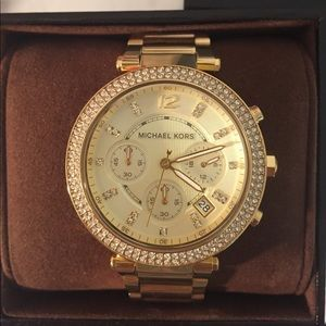 I just added this to my closet on Poshmark: Michael Kors Gold Parker Watch. Price: $125 Size: OS