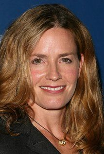 Elisabeth Shue - Julie Finlay. Julie was the Assistant Night Shift Supervisor in the Las Vegas Crime Lab. She died in the series' finale.