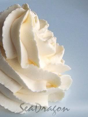 Chantilly cream 300ml thickened cream, 2 tbls caster sugar, 1 tsp vanilla - whisk together until stiff