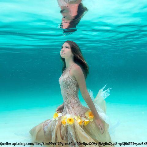 Echte Meerjungfrauen in den Bahamas gesichtet  Interessante Neuigkeiten aus der Welt auf BuzzerStar.com : BuzzerStar News - http://www.buzzerstar.com/echte-meerjungfrauen-in-den-bahamas-gesichtet-479f10b46.html