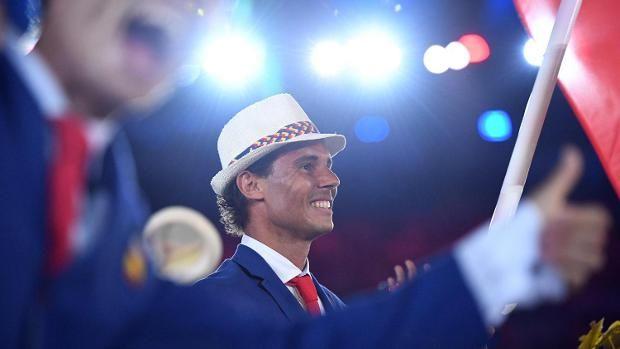 Tennis-Star Rafael Nadal trug die spanische Fahne.
