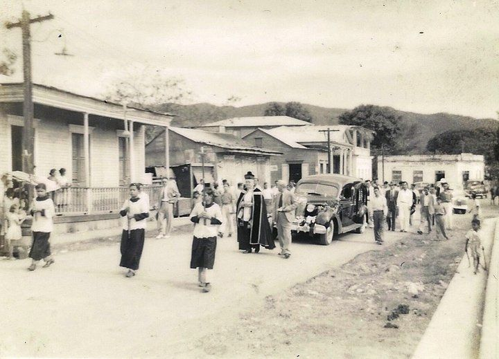 Penuelas 1948 ~~~ Puerto Rico between the early 1900's up until 1940-50's aprox. My mom and dad's childhood...