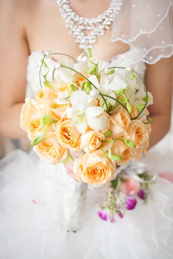 Menyasszonyi csokor barack. Peach wedding bouqet.