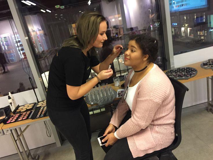 Vi legger makeup - Åpen dag i Tromsø