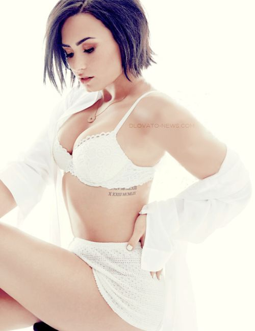 Demi Lovato for Cosmopolitan Magazine (September 2015)