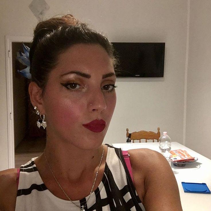 My make-up for night...������#passion#look#makeup#rosso#oro#ramato#brillantinato#illuminante#night#photo#photography#photographer#selfietime#selfietimee#bianco#nero#fiore#abbronzatura#solocosebelle#solomomentibelli.. http://tipsrazzi.com/ipost/1523432582455389204/?code=BUkUdy8gmwU