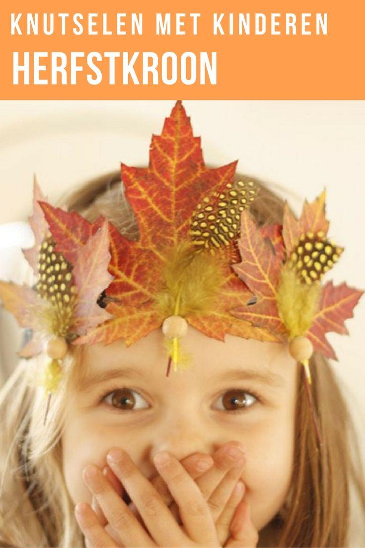 Leuk om te knutselen met de kinderen. Maak van gedroogde bladeren die je gevonden hebt in het bos leuke herfst kroontjes met veertjes, kralen en vilt. Lees de stap voor stap beschrijving voor de herfstkroon op de blog.