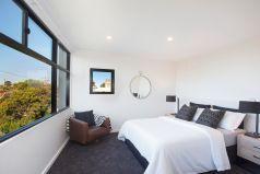 Main bedroom, dressing room, chic ensuite, city views
