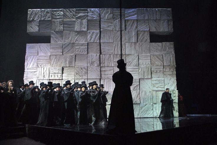 L'opera vista da dietro le quinte (foto Annalisa Andolina)