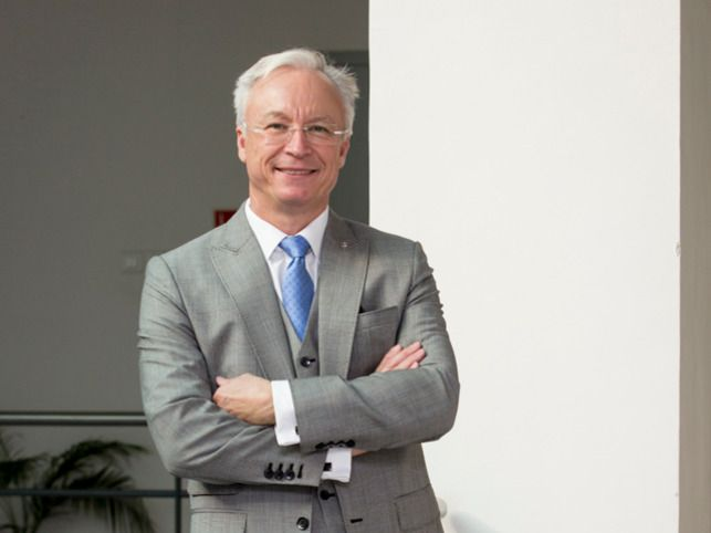 How Roland Folger of Mercedes-India spent his Christmas: https://economictimes.indiatimes.com/magazines/panache/im-coming-home-mercedes-benz-india-ceo-roland-folger-heads-to-germany-every-christmas/articleshow/62203842.cms