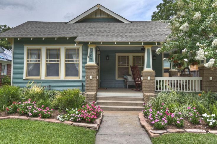 114 best images about someday i 39 ll live in a bungalow for Craftsman homes for sale in texas