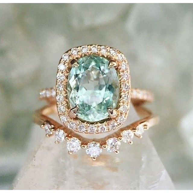 WOW! Bedazzled by this gorgeous custom aquamarine engagement ring from @trabertgoldsmiths