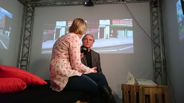 """Zum Ausklang der Verleihung entführten wir Michael Verhoeven in die """"Weiße Wand"""". Dort führte Ulrike Glaßer-Günther ein Interview mit dem Regisseur."""