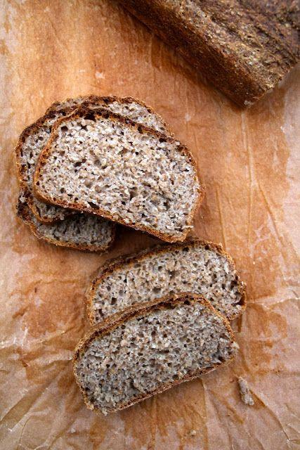 Eltefrittbrød med rug og kesam - for denne og over 6o andre brødoppskrifter, besøk bloggen Mat på Bordet.