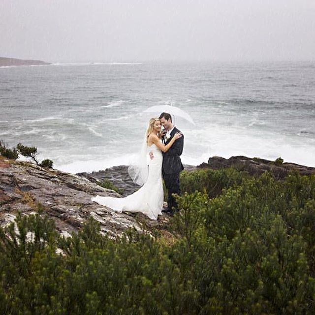 Love matters overall! Together by the sea ❤️ Photo: @bellaphotoart  #lovepsweddings  #portstephensweddings  #portstephens  #psiloveyou