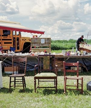 Attract shoppers with these tips for creating an irresistible garage sale display.