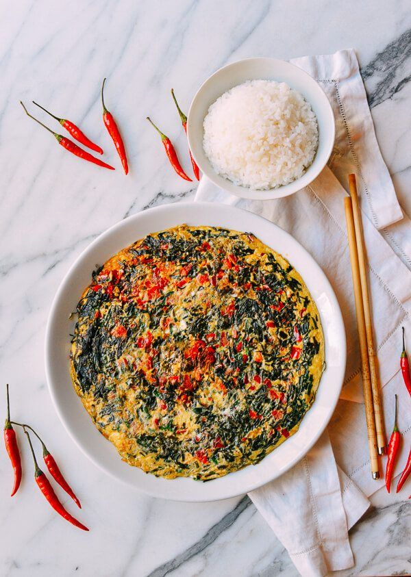 #Salted #Chili & #Chinese #Chive #Frittata recipe by thewoksoflife.com