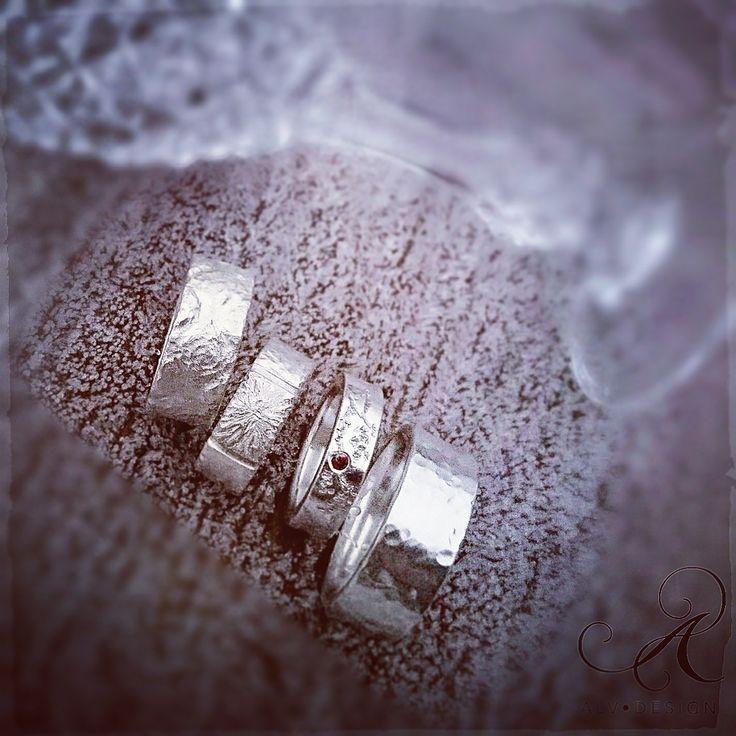 🔸Överraska i jul!🔸 Beställ dina handarbetade Alv Design silverringar och silversmycken senast den 13e december för säker leverans innan jul! 500 kr rabatt vid köp av två ringar! ▫️▫️▫️▫️▫️▫️▫️▫️▫️▫️▫️▫️▫️▫️ Välkommen att se mer i webbutiken www.alvdesign.se