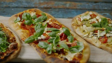 Lorraine Pascale - Pizza expressed three ways