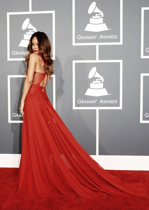 Best dressed beautiful Rihanna in Azzedine Alaiaat the 55th Annual Grammy Awards.