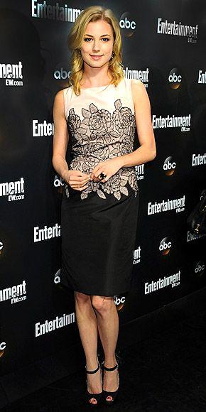 Emily Vancamp..gorgeous dress :)