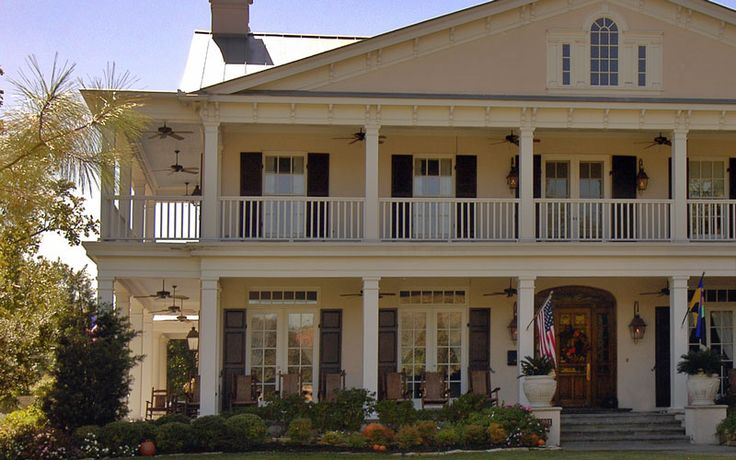 Omg perfection. A southern style home with wrap around porch.