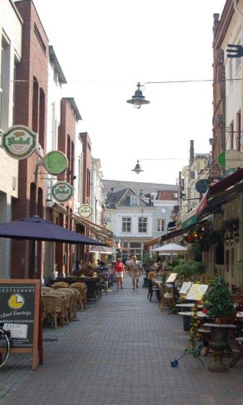 Voor eten moet je in de Korte Putstraat zijn, Den Bosch.