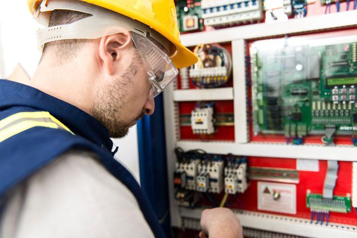 Manutenção de elevadores, quais os principais pontos? http://www.espel.com.br/manutencao-de-elevadores-quais-os-principais-pontos/