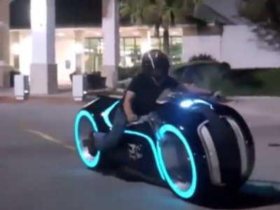 19 best bikes images on pinterest motorcycles sport bikes and wheels parker brothers choppers produced an electric light cycle replica with spinning rims that lights up fandeluxe Images