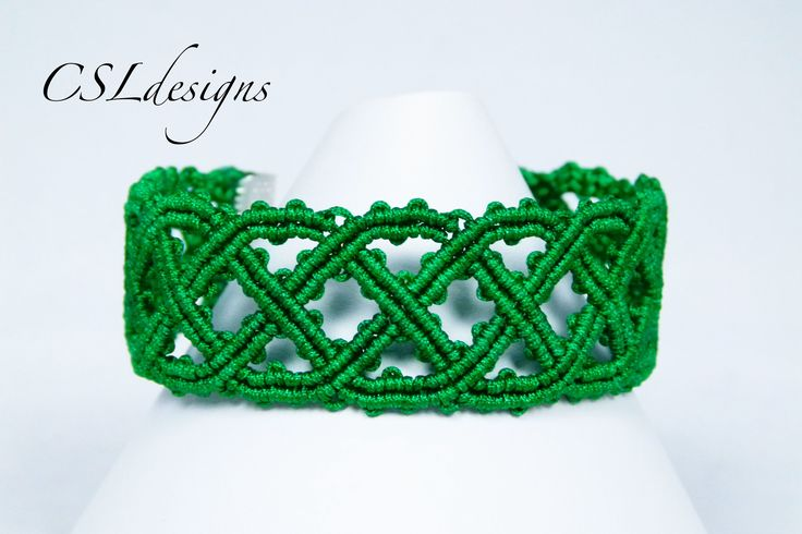 In this tutorial I show you how to make a celtic inspired macrame bracelet that's perfect for st. Patrick's Day. Please feel free to give it a go yourself an...