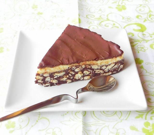 Keksztorta karamelles pudingkrémmel, gyors és fincsi édesség, sütés nélkül!