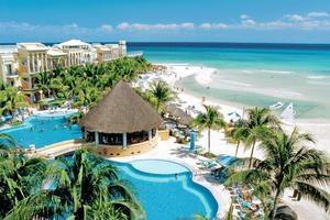 Het 5-sterren Hotel Gran Porto Real is al jarenlang een van de meest populaire hotels van Playa del Carmen. Het resort is gebouwd in de vorm van een Mexicaanse haciënda en staat bekend om het vriendelijke personeel en de gezellige sfeer. Daarnaast is het hotel ideaal gelegen: direct aan de zee en in het hart van de leukste badplaats van Mexico.    Dit resort biedt vele faciliteiten voor zowel jong als oud. U kunt genieten van de vele bars en restaurants en van de 2 zwembaden.