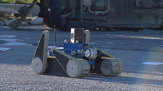 YENİ DÜNYA GÜNDEMİ ///  Felaket bölgelerinde robot insan iş birliği