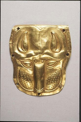 Gold Scythian panther head - Penn Museum