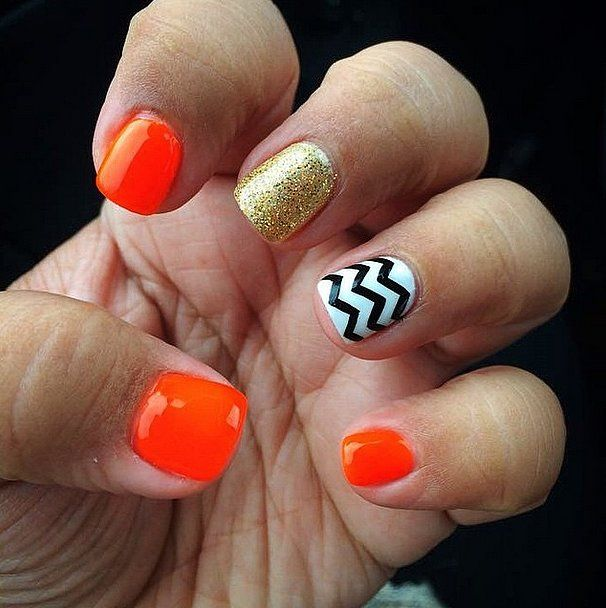 Not into creepy claws? Try this cute preppy manicure instead! #halloween #nails #nailart
