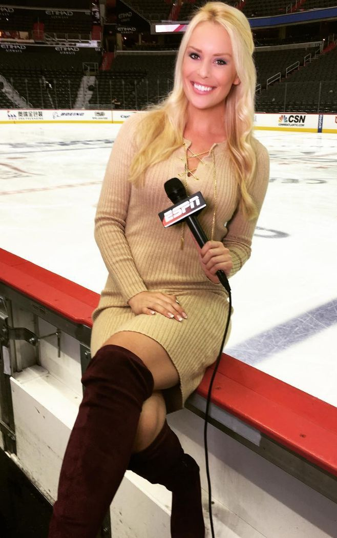 THE APPRECIATION OF BOOTED  NEWS WOMEN BLOG           : BRITT MCHENRY SHARES HER BEAUTIFUL SMILE AND SENSA...